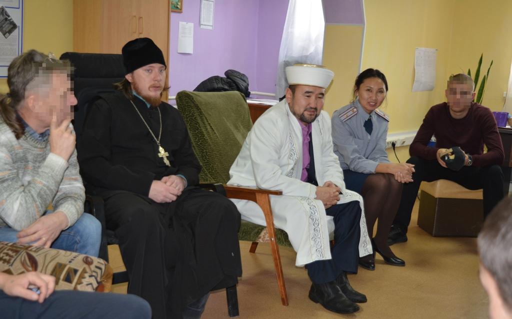 Гостями мероприятия стали представитель Русской православной церкви отец Роман, муфтий Республики Алтай Жанболат Охтаубаев.