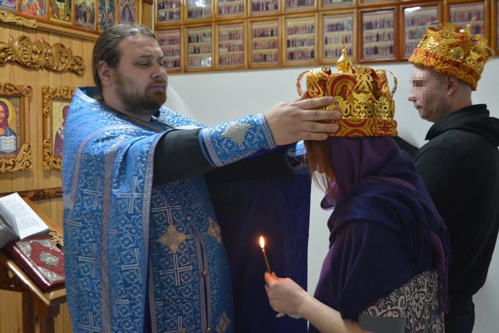 В СИЗО-1 ОФСИН России по Республике Алтай состоялся обряд венчания